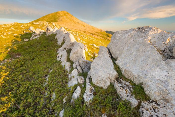 Versante Nord del Monte Cotento al tramonto
