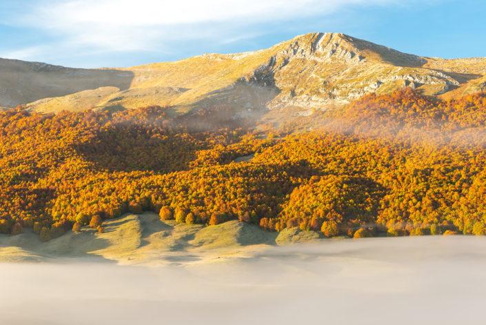 Alba autunnale sul Monte Puzzillo - Massiccio del Monte Velino